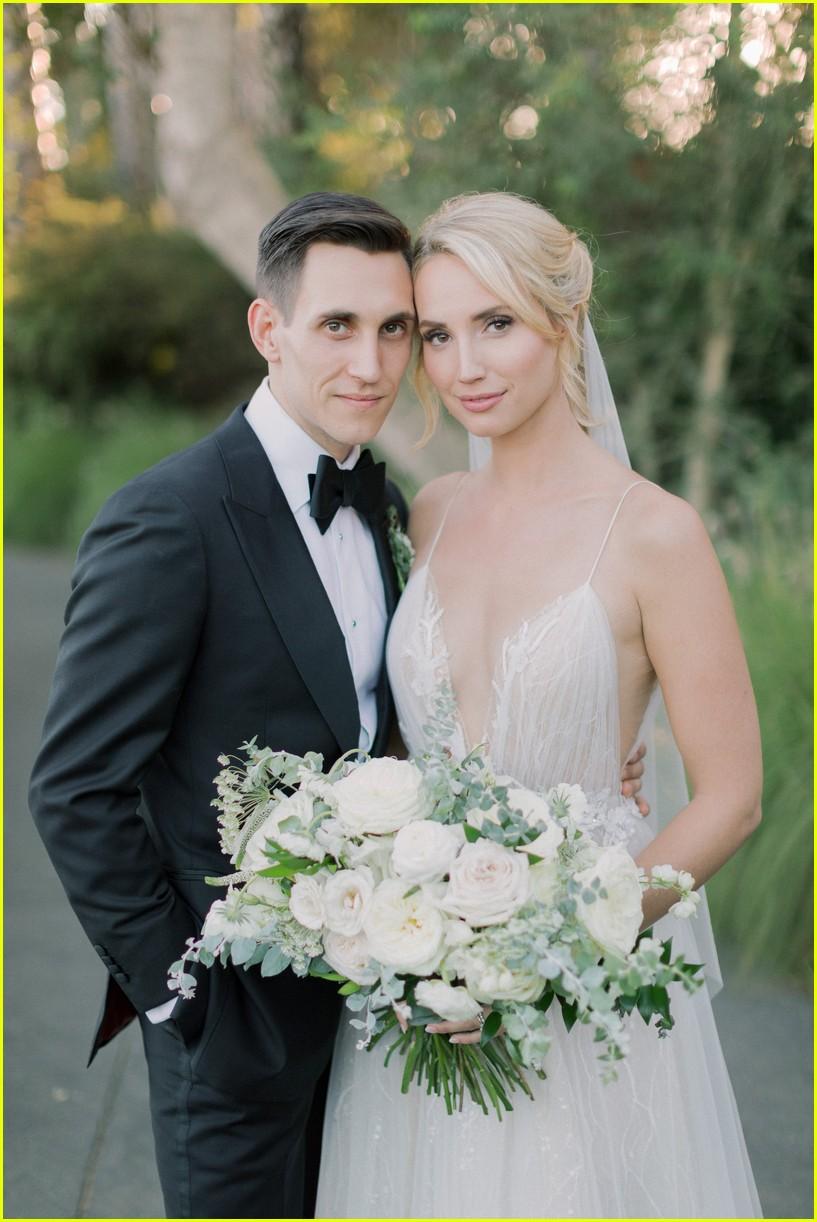 molly mccooks fairytale wedding photos are stunning 01