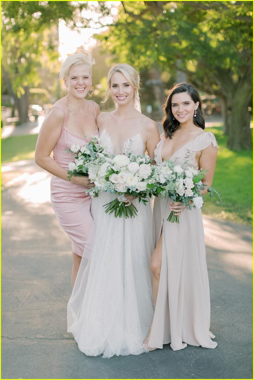 molly mccooks fairytale wedding photos are stunning 02