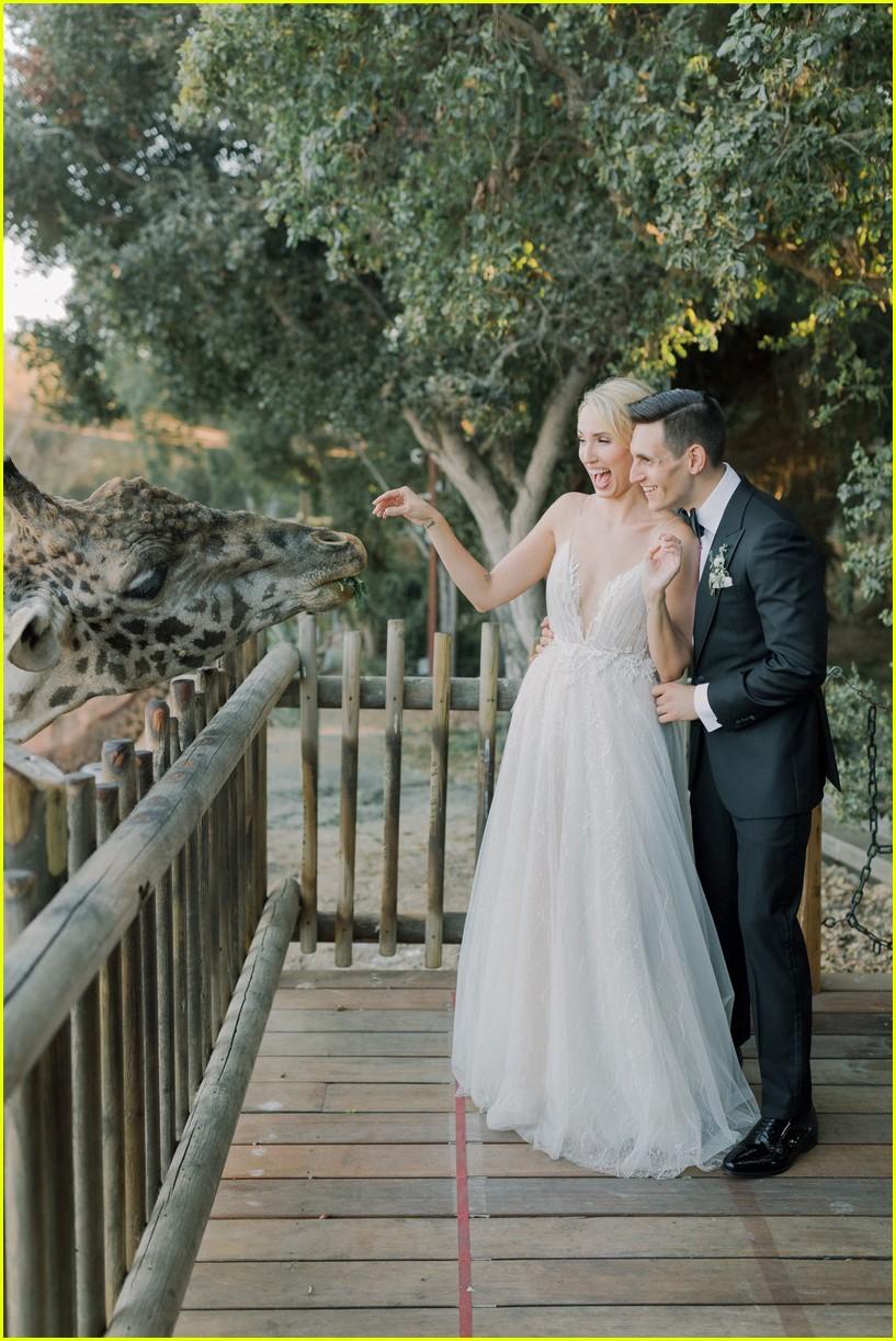 molly mccooks fairytale wedding photos are stunning 03