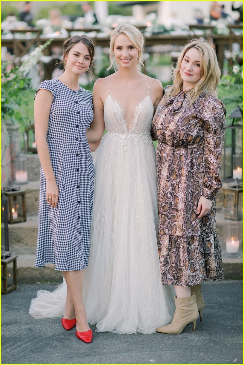 molly mccooks fairytale wedding photos are stunning 04