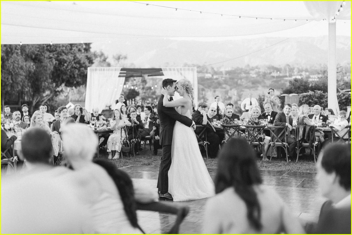 molly mccooks fairytale wedding photos are stunning 06