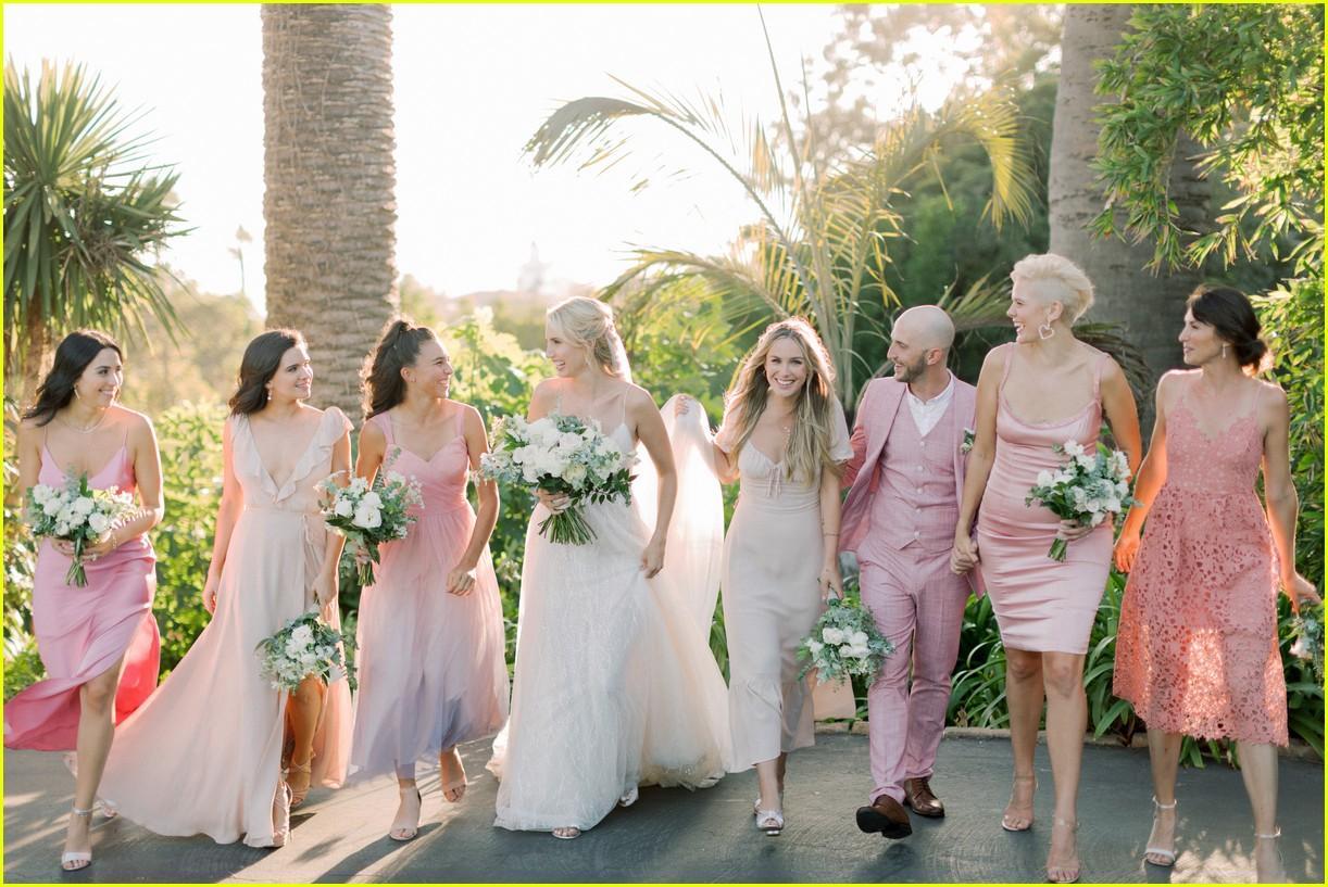 molly mccooks fairytale wedding photos are stunning 07