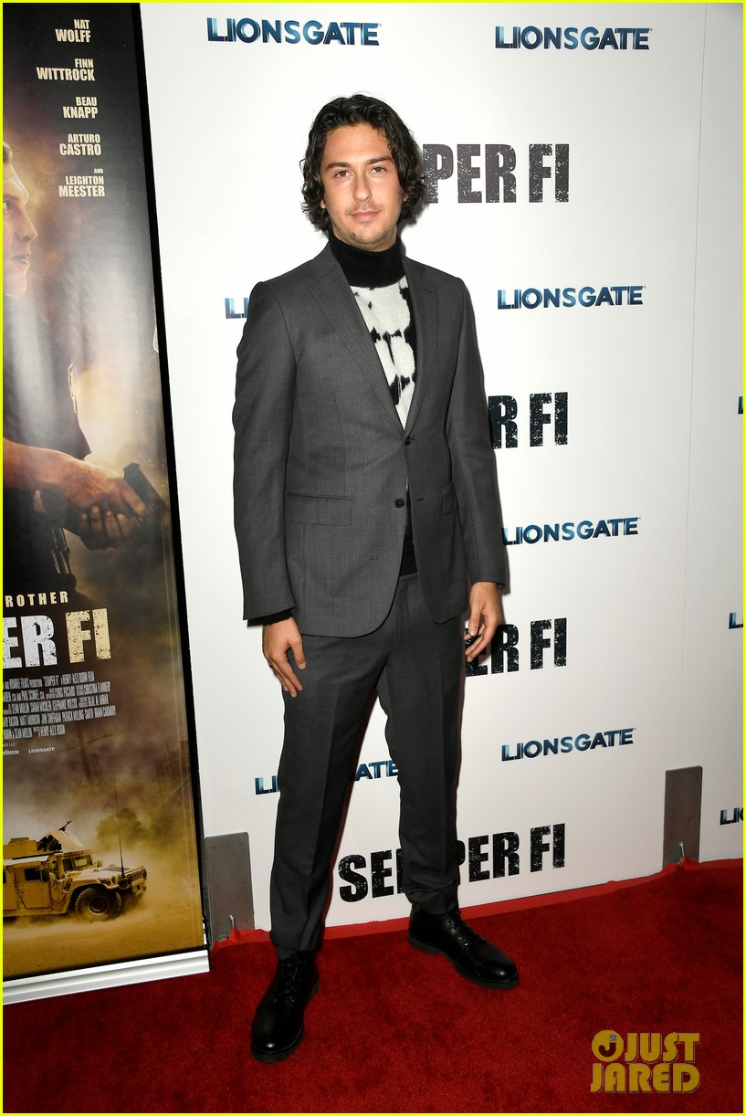 nat wolff gets support from 2 favorite ladies at semper fi screening 08