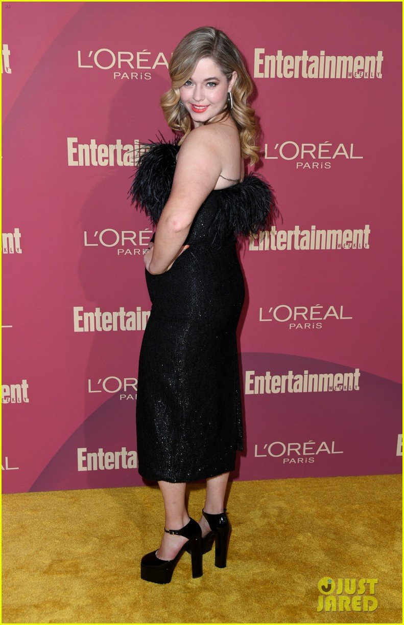 sarah hyland ariel winter glam it up at ews pre emmys party 13