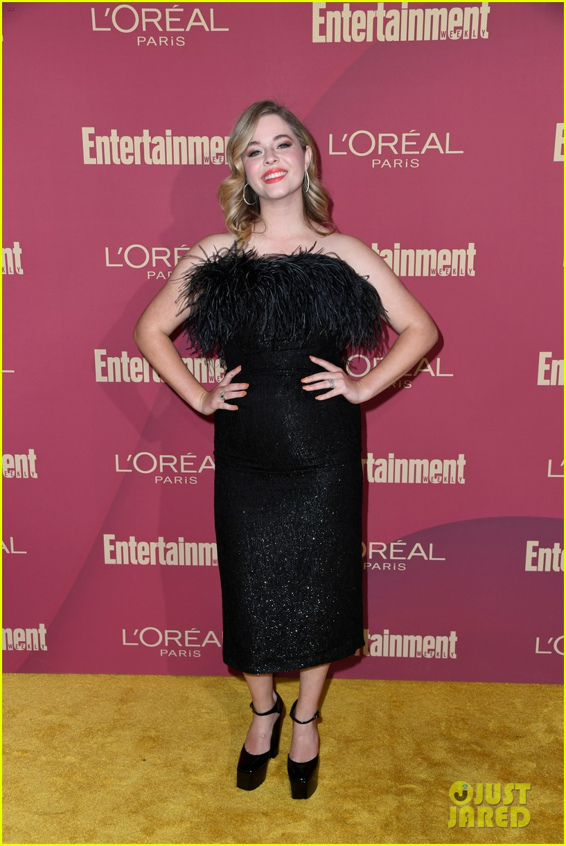 sarah hyland ariel winter glam it up at ews pre emmys party 16
