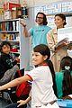 zendaya helps donate school supplies to 450 oakland students 19