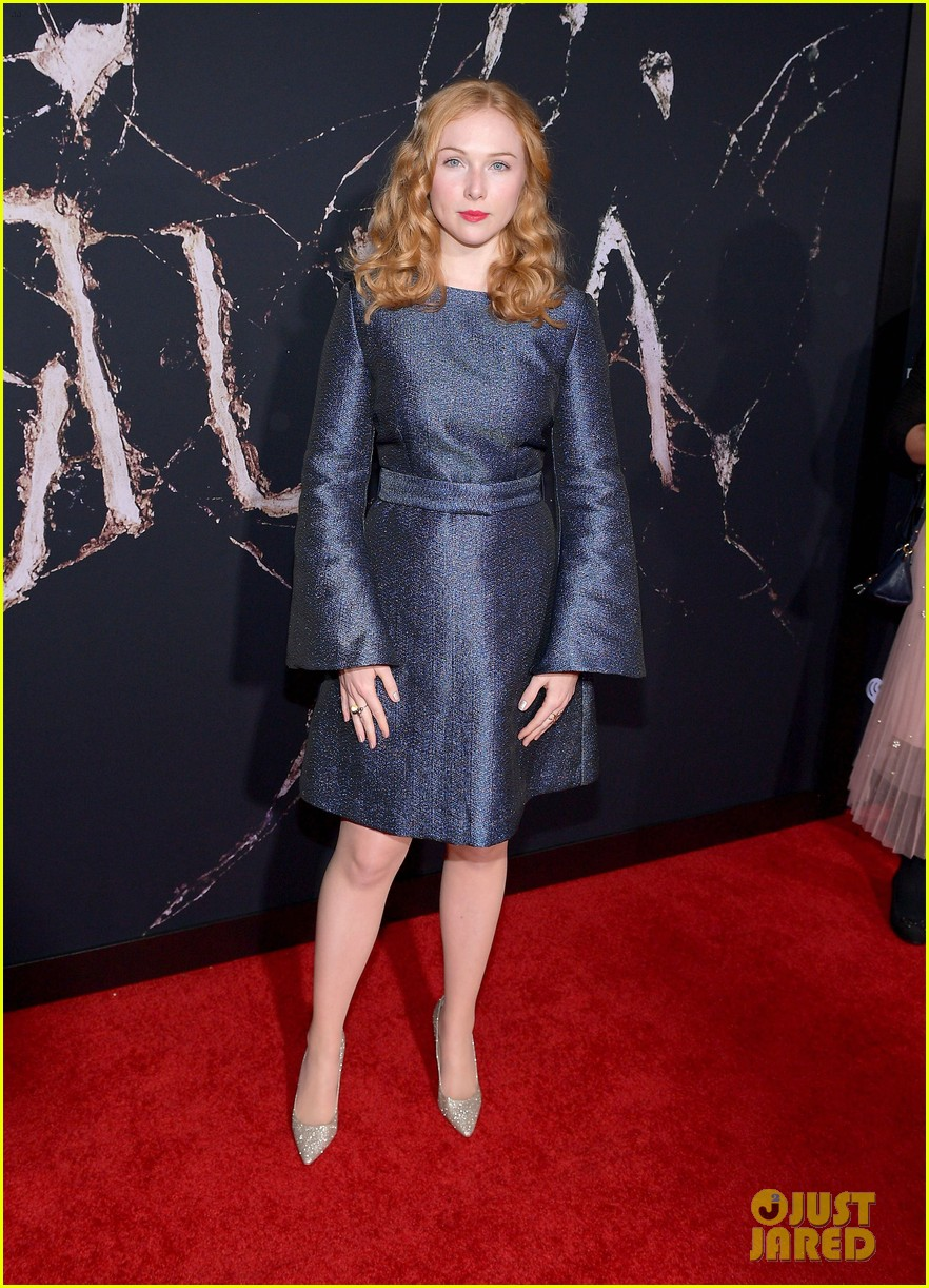emily alyn lind jacob tremblay step out for doctor sleep premiere 04