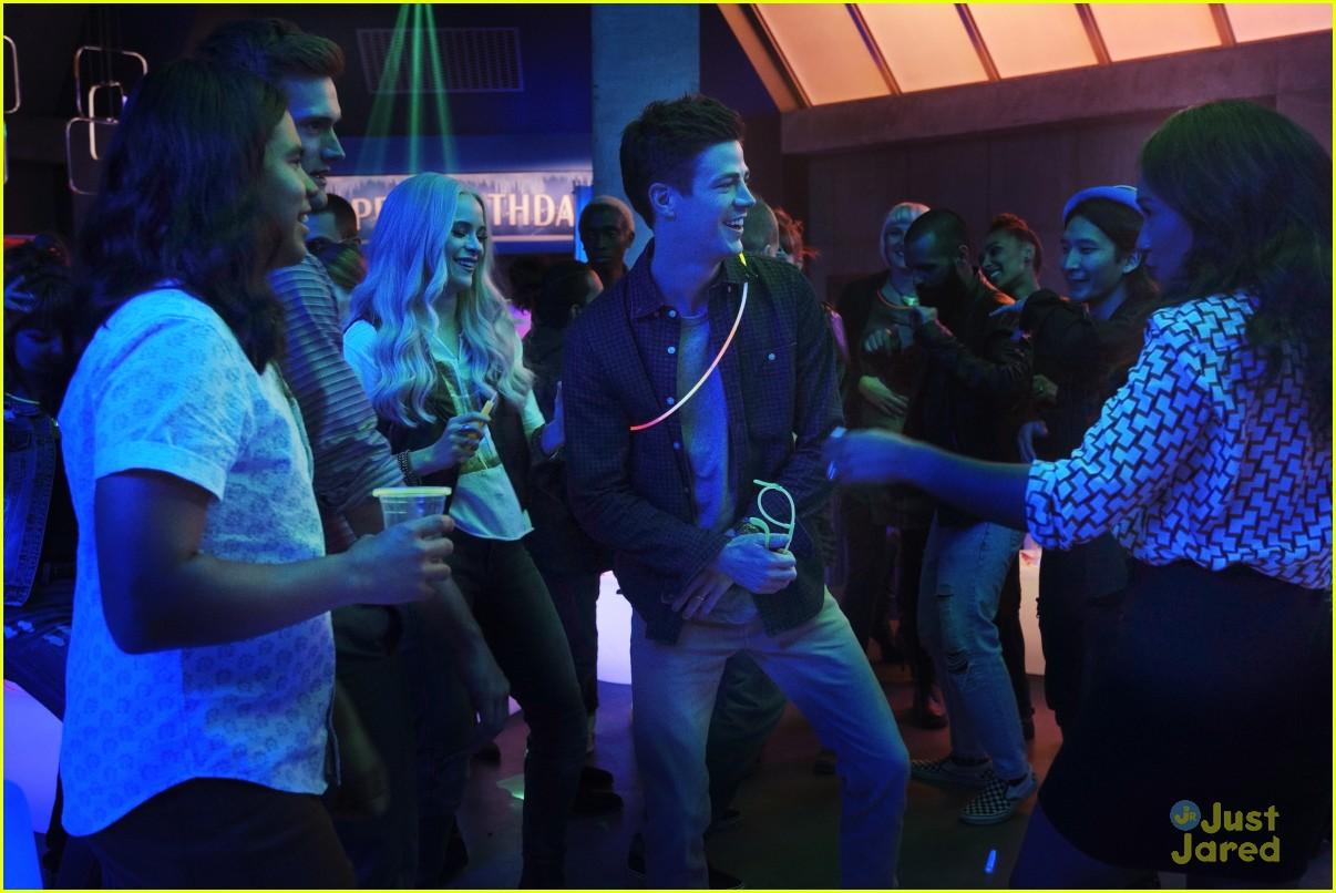 the flash glow bar party dead man running stills 05