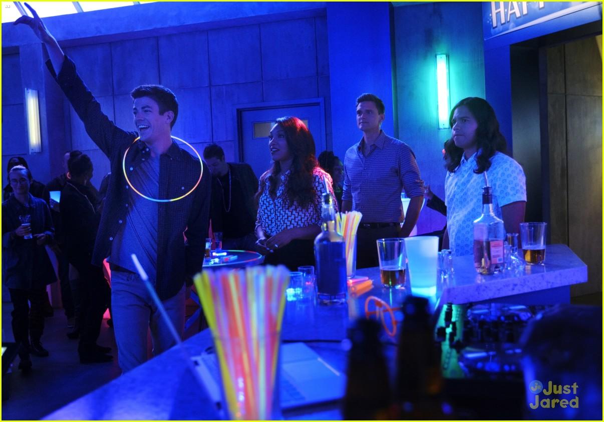 the flash glow bar party dead man running stills 11