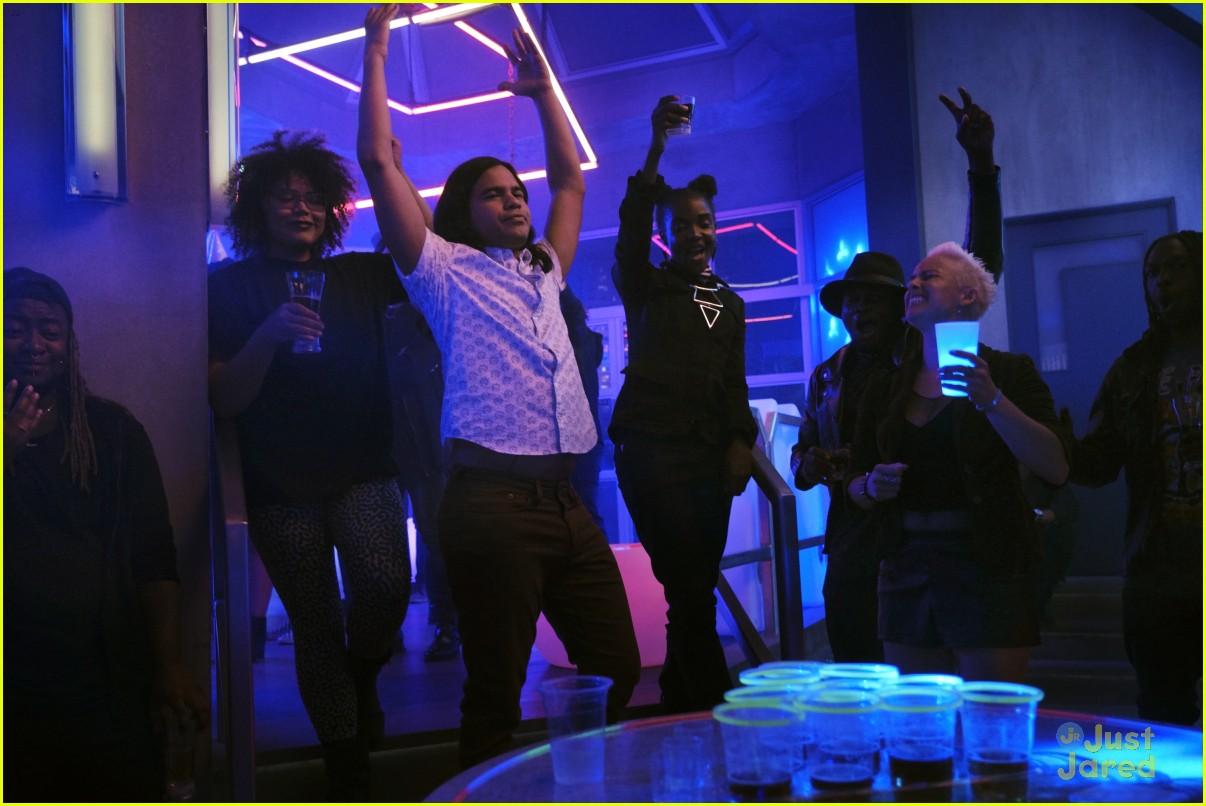 the flash glow bar party dead man running stills 12