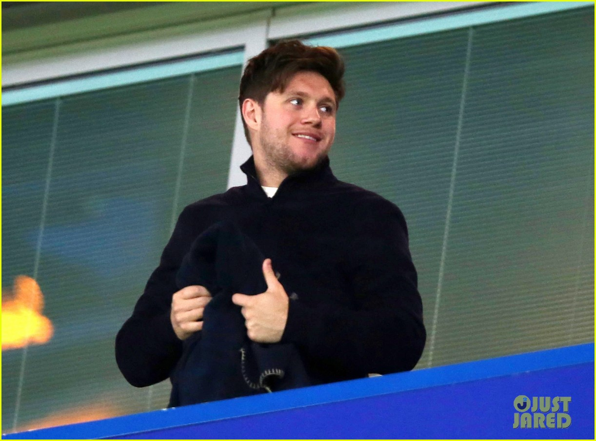 niall horan chelsea game pics after tour announcement 03