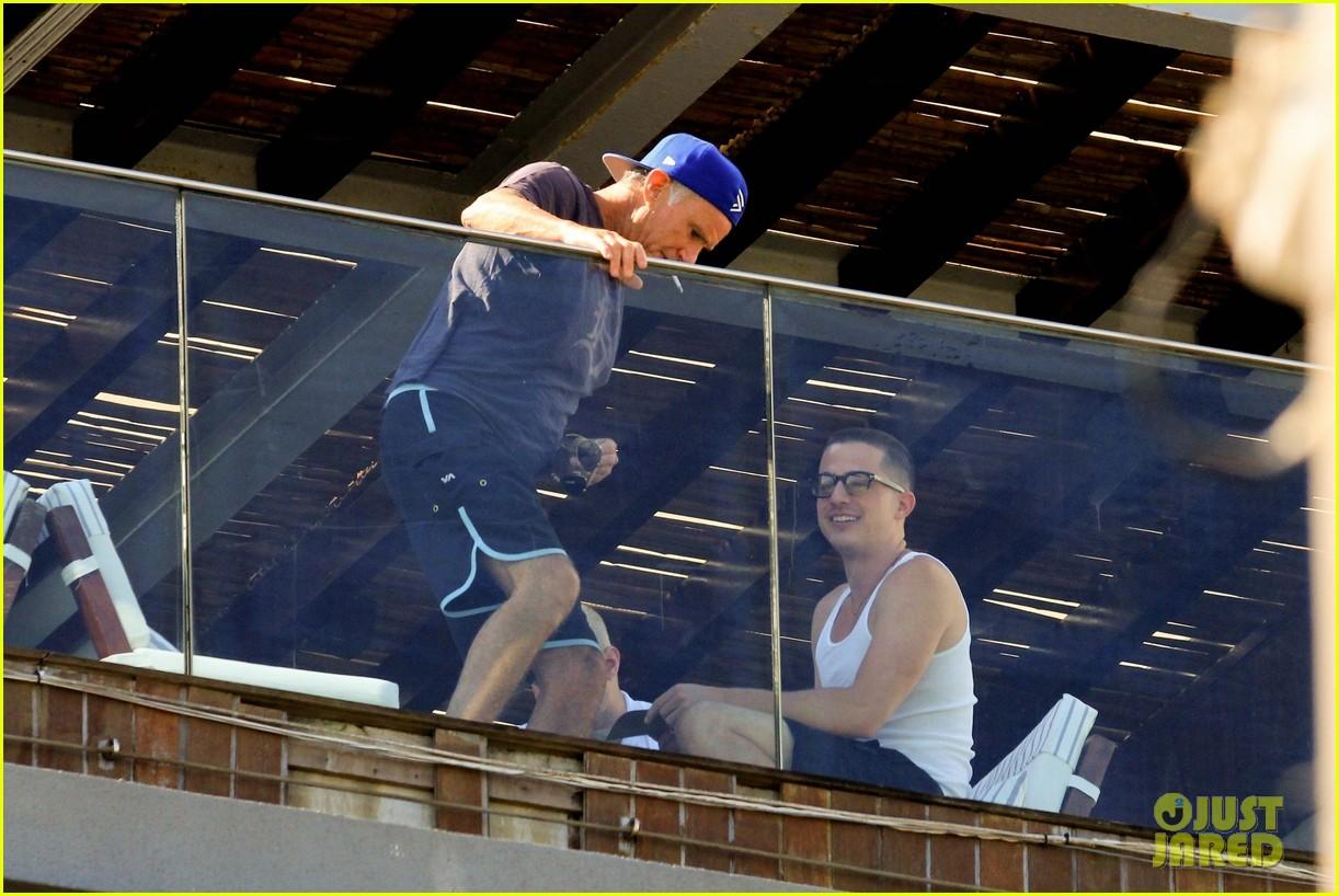 charlie puth hotel balcony 03