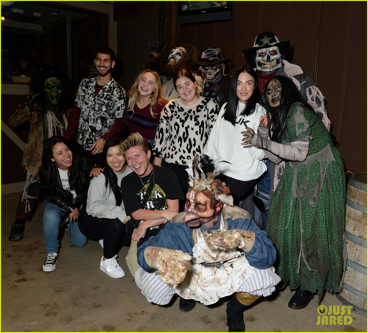 ross lynch gets much needed sibling time at knotts scary farm 07