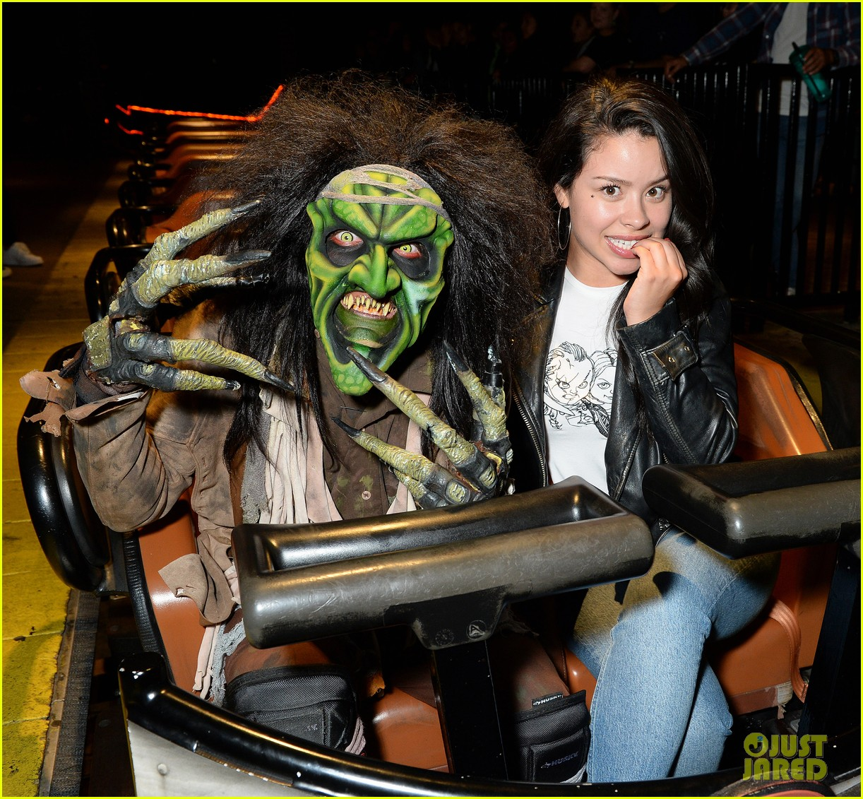 ross lynch gets much needed sibling time at knotts scary farm 09