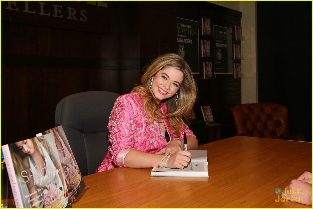 sasha pieterse good taste grove signing 03