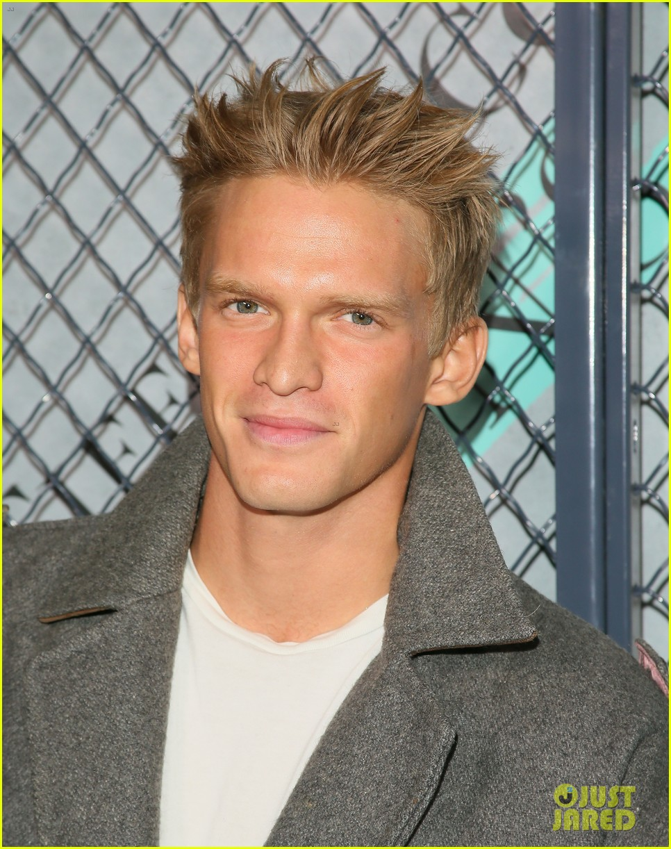 cody simpson at tiffany co event 01