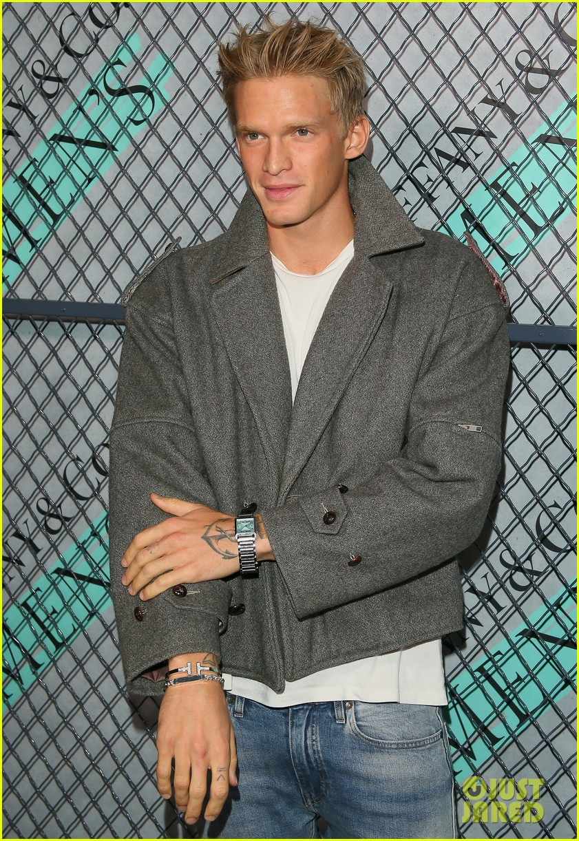 cody simpson at tiffany co event 14