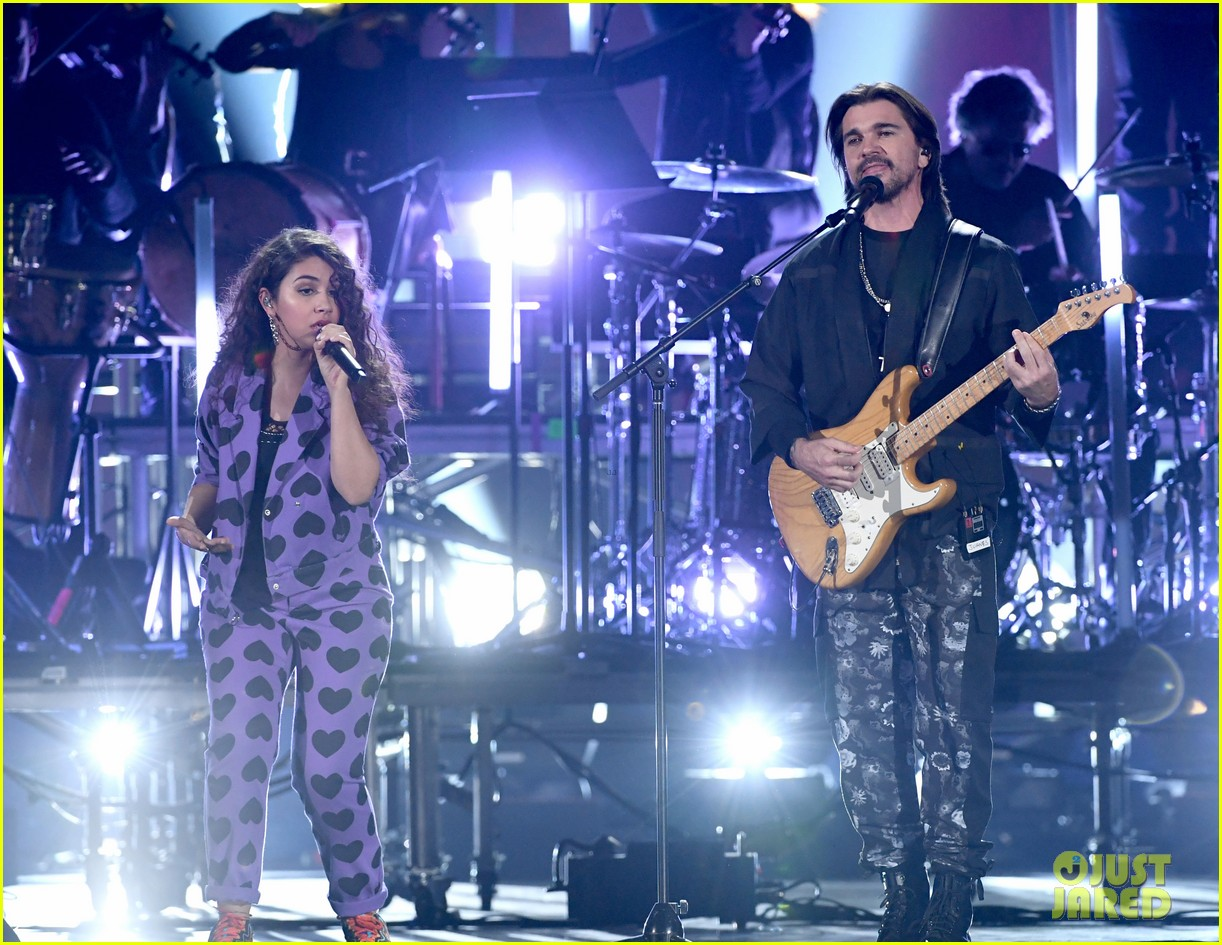 alessia cara heart print suit for latin grammys performance 06