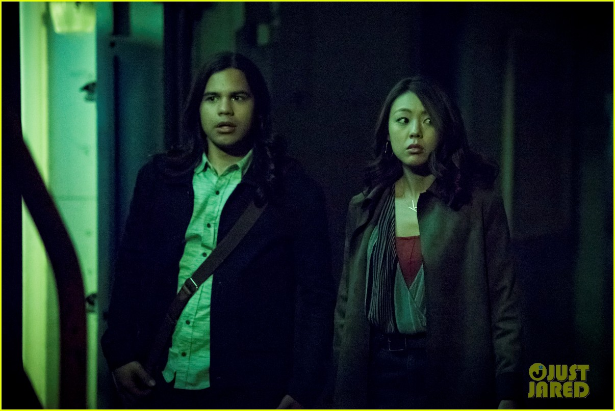 carlos valdes teases very heavy cisco centric episode of the flash 04