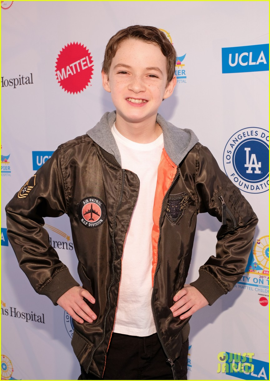 isaak presley kenzie ziegler couple up at ucla party on the pier 26