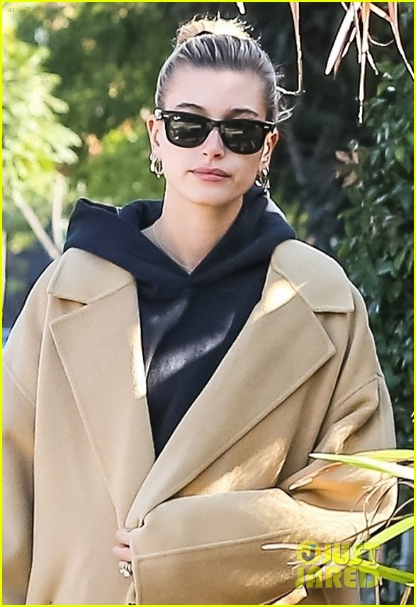 justin hailey bieber step out separately in la 05
