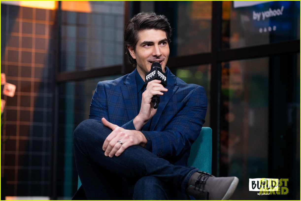 brandon routh reveals how he was asked to be superman in crisis 11