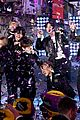 bts rockin eve performance pics 10