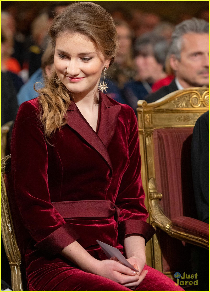 princess elisabeth red jumpsuit belgian christmas concert 03