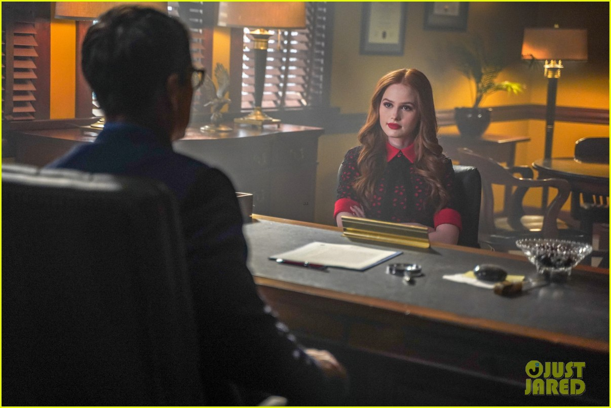 archie makes a shocking declaration to his mom on riverdale tonight 06