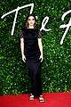 shailene woodley puffer dress fashion awards bella liam maya more 05