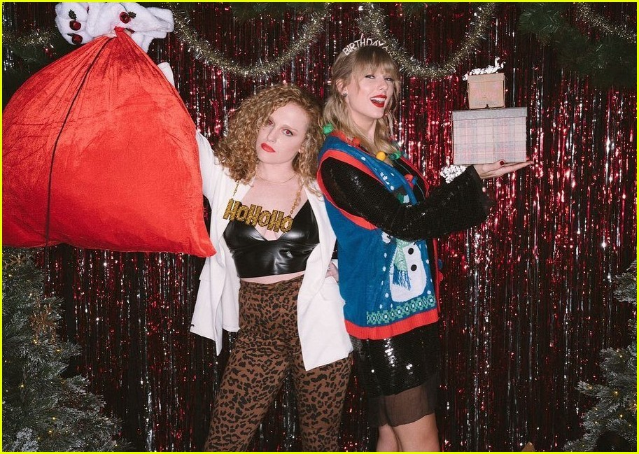 taylor swift birthday party inside 02