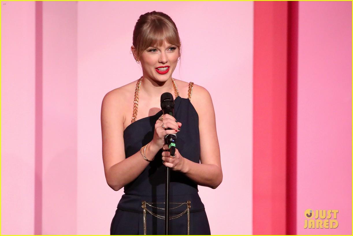 taylor swift billboard women in music speech 07