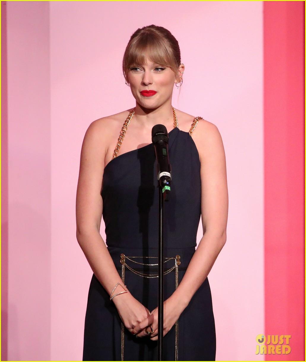 taylor swift billboard women in music speech 08