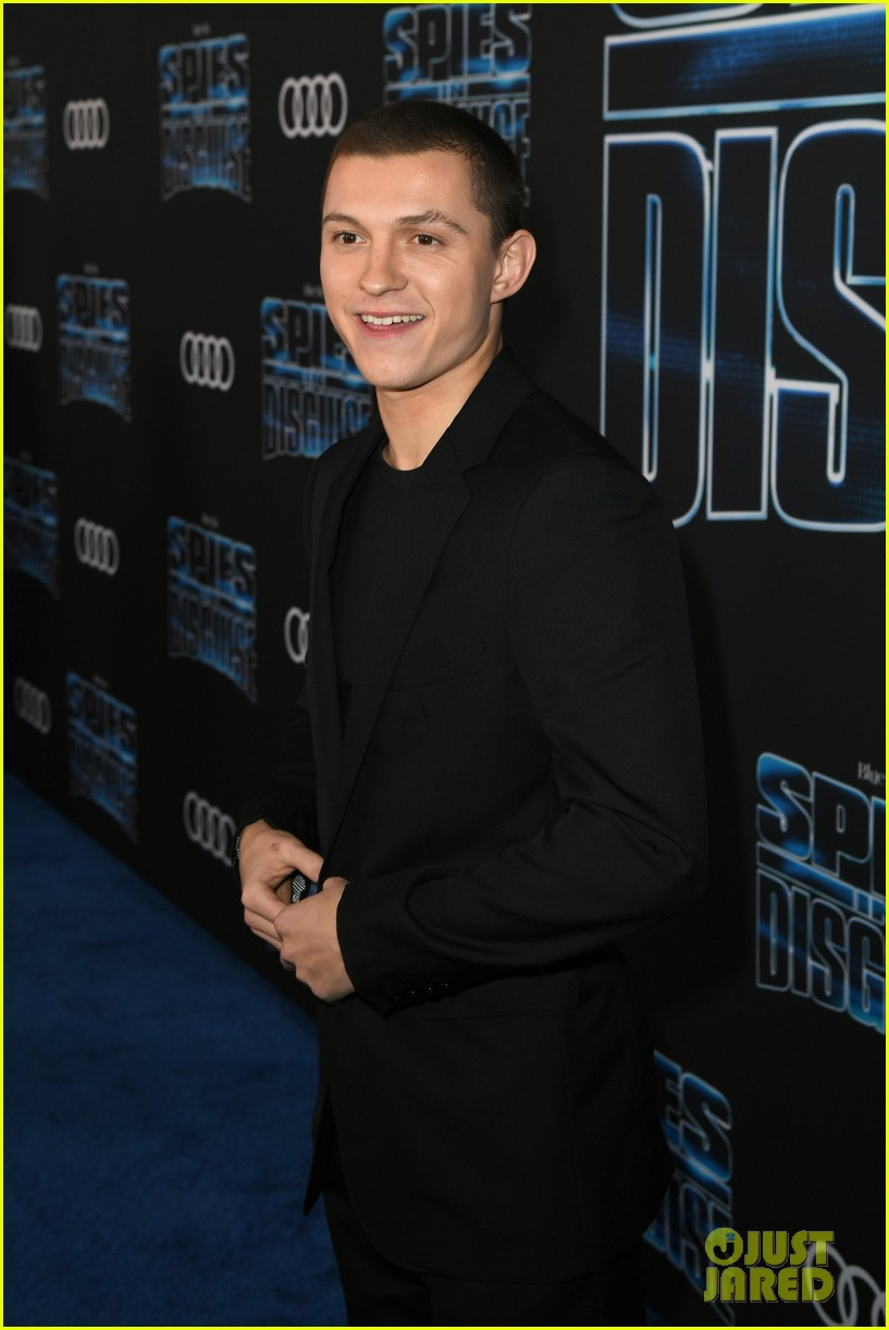 tom holland will smith spies disguise premiere 02