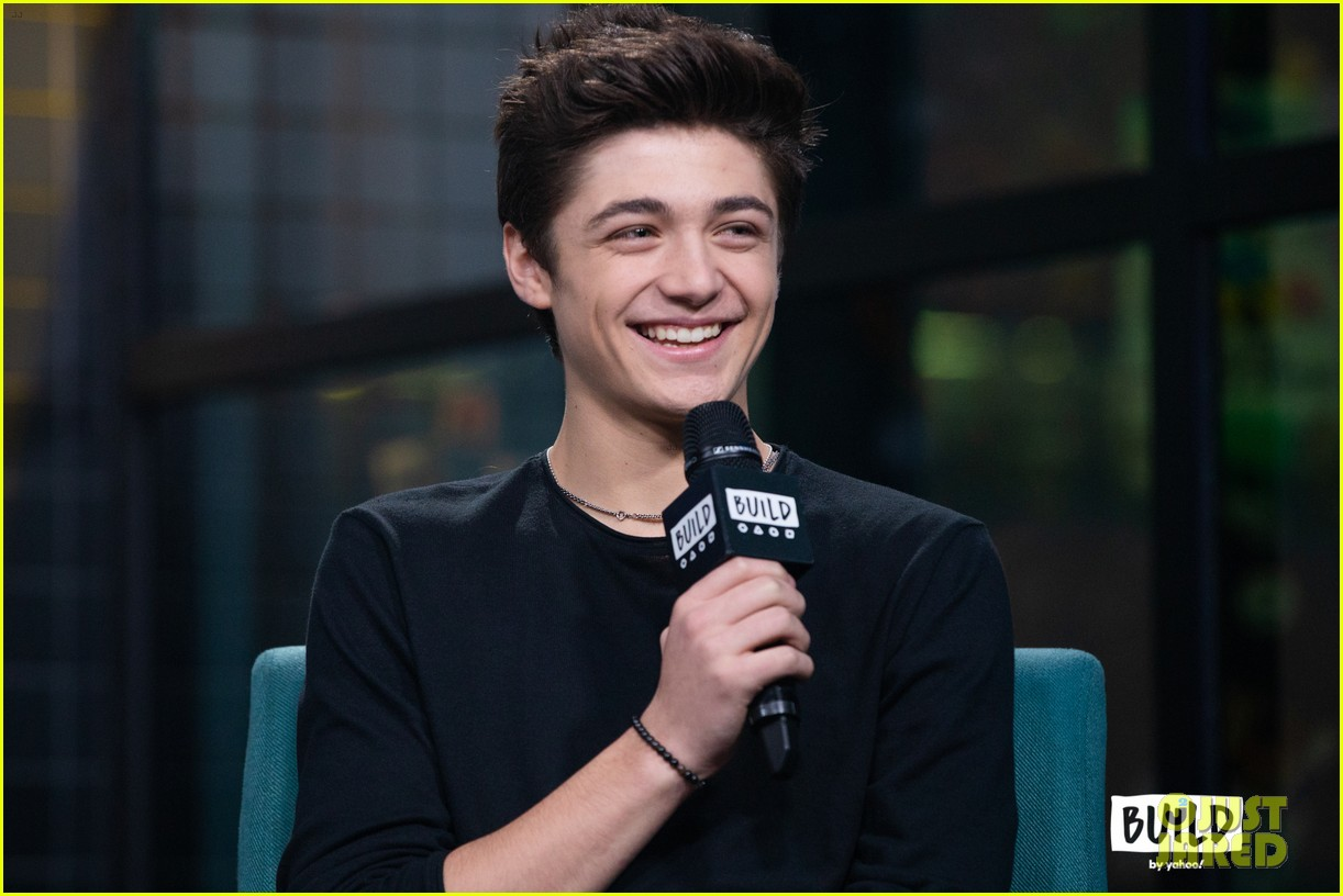 asher angel gushes about girlfriend annie leblanc while promoting new single chills 02