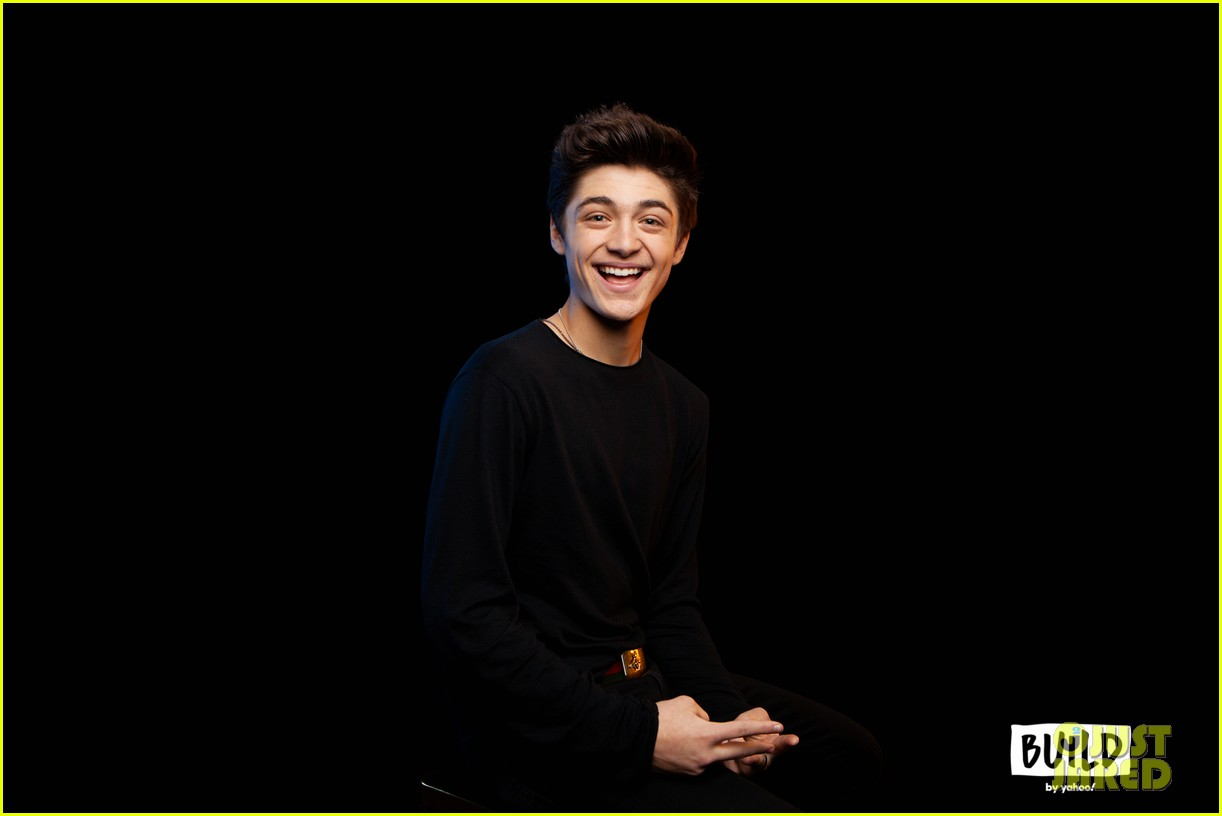 asher angel gushes about girlfriend annie leblanc while promoting new single chills 03