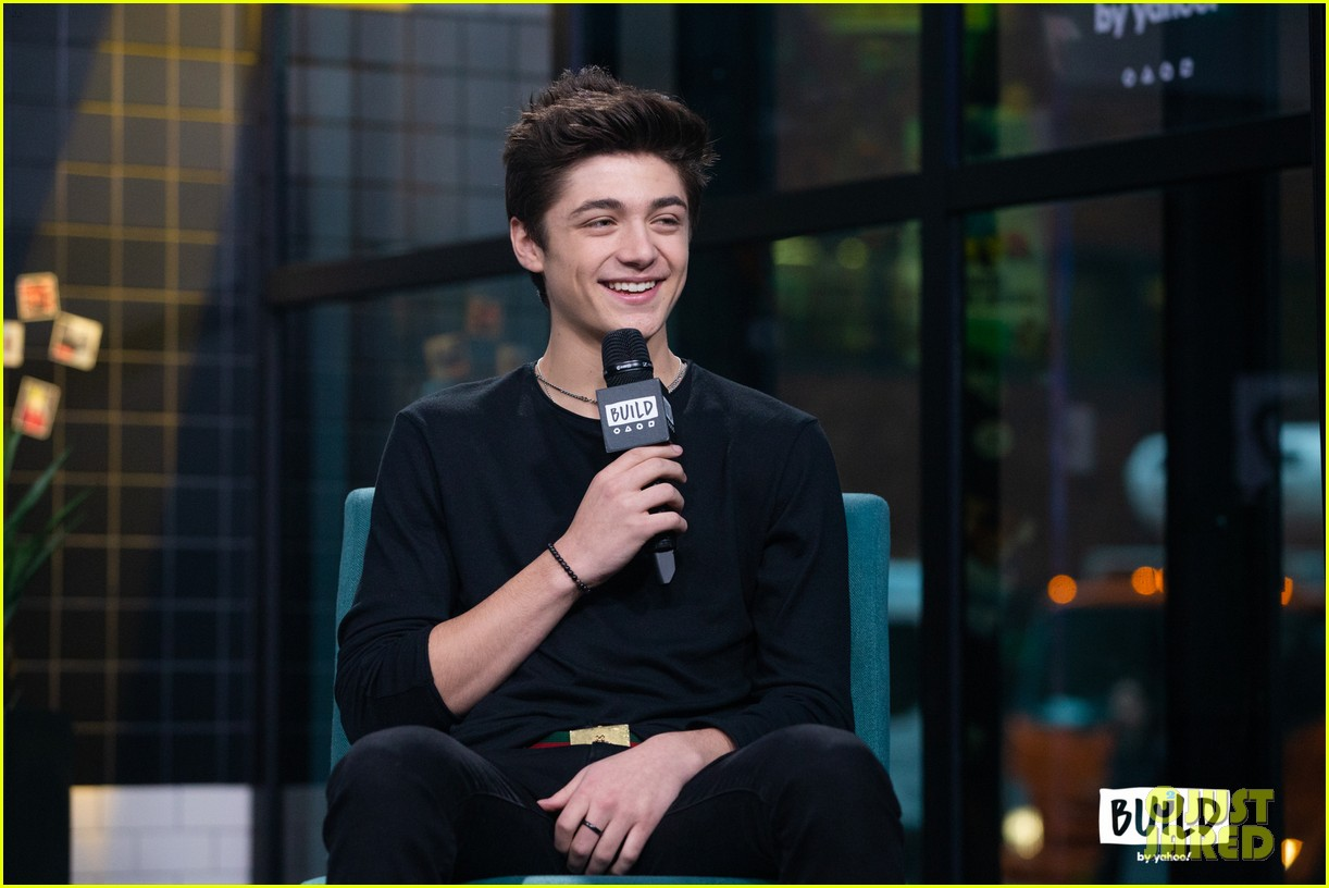 asher angel gushes about girlfriend annie leblanc while promoting new single chills 16