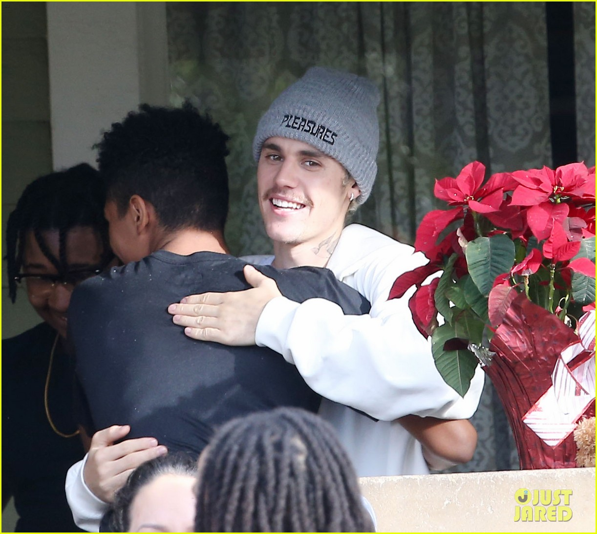 justin bieber films new music video at daycare in la 05