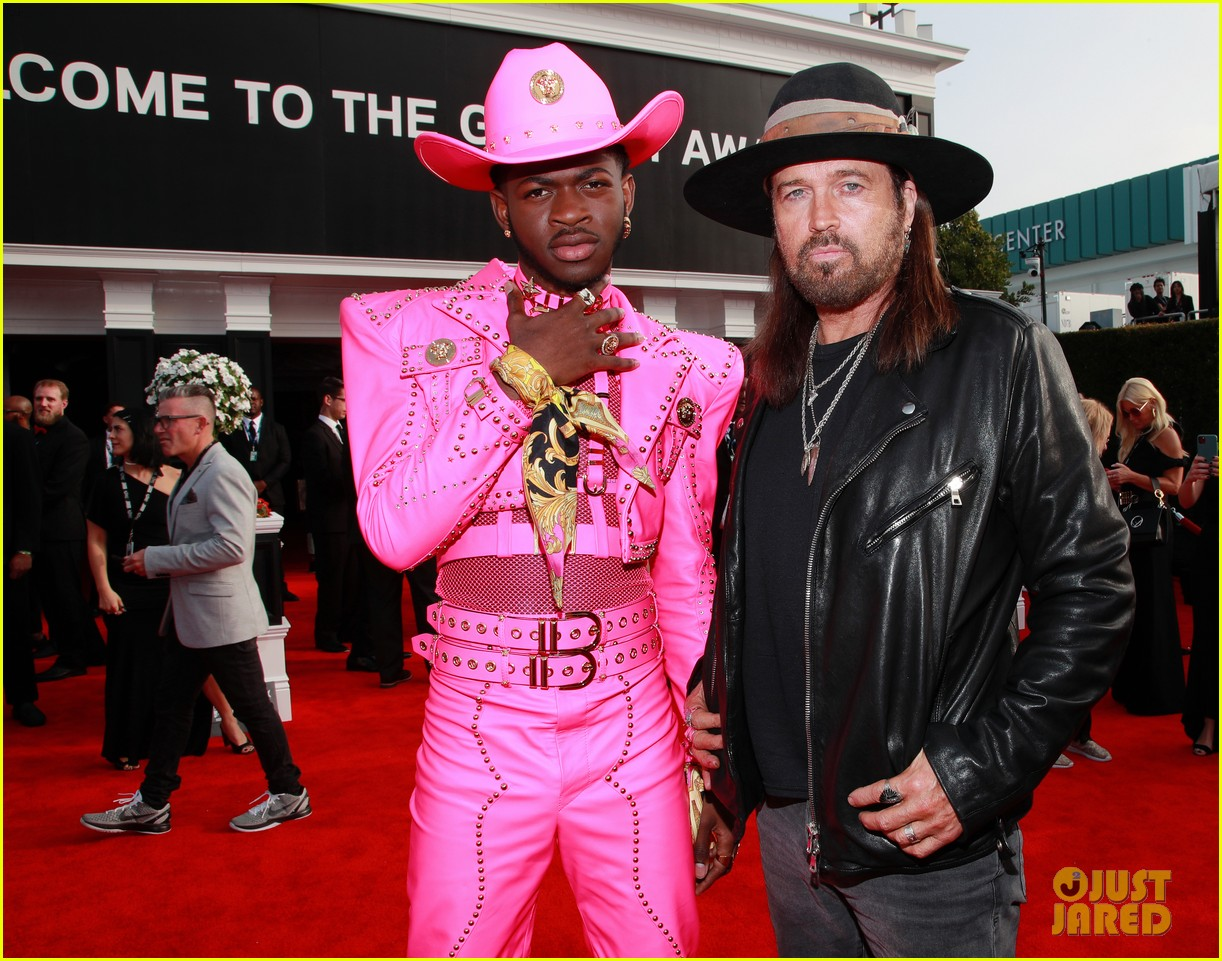 lil nas x billy ray cyrus bring old town road to grammys 2020 05