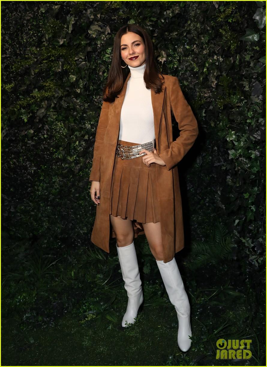 ava michelle chloe lukasiak bring the color to alice olivia fashion show 03