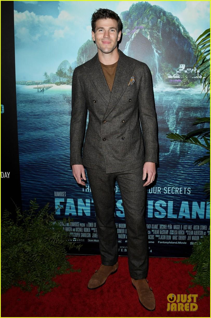 lucy hale fantasy island premiere 29