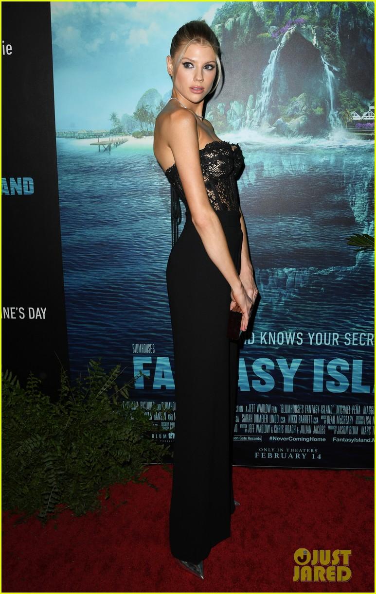 lucy hale fantasy island premiere 42
