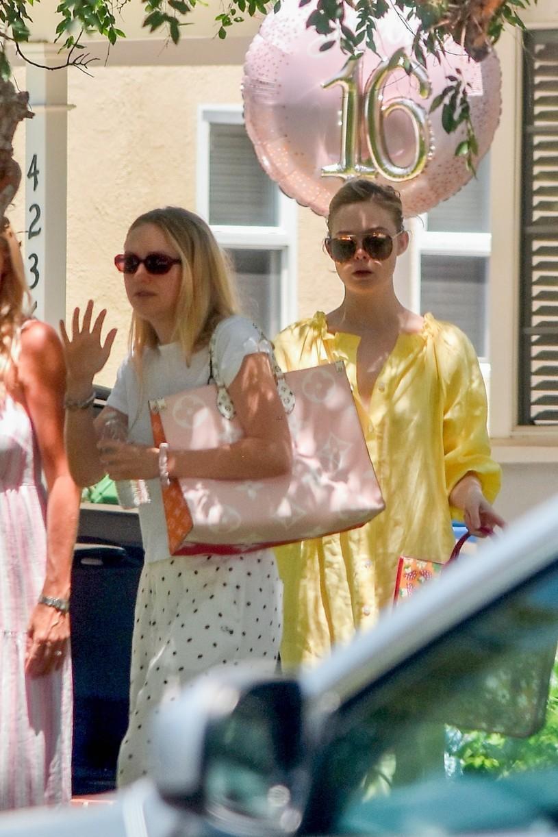 elle fanning yellow dress party sister dakota pics 02