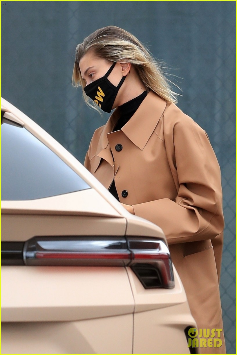 hailey bieber studio stop trench after road trip 02