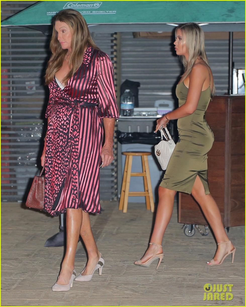 kourtney kardashian dinner with addison rae again 05