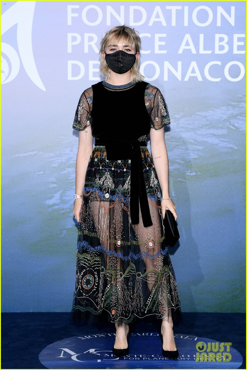 maisie williams ruben selby mask up for planetary health gala 07
