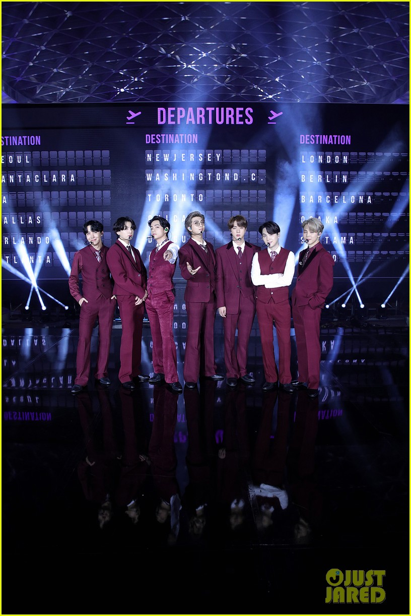 bts perform dynamite at billboard music awards 02