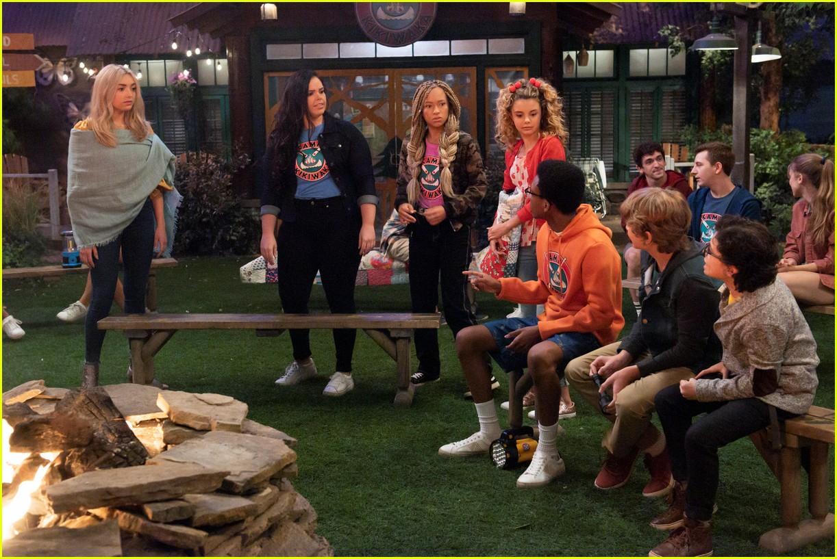 peyton list returning to bunkd for season five premiere 03