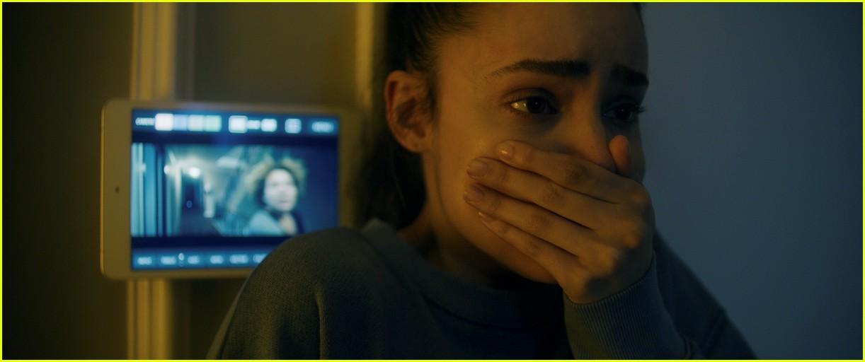 kj apa sofia carson star in songbird trailer 04