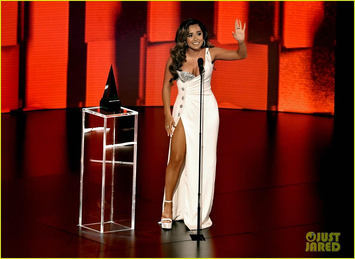 becky g wins favorite female latin artist american music awards 2020 08